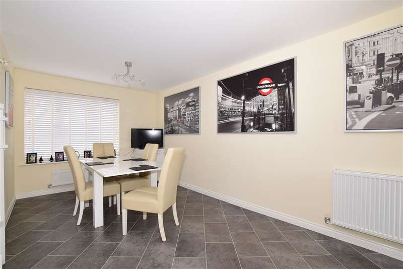 4 Bedrooms Terraced House for sale in Derby Drive, Leybourne, West Malling, Kent