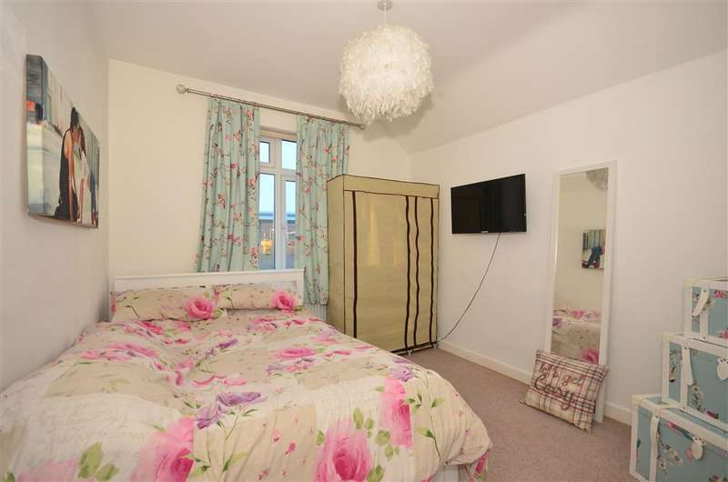 1 Bedroom Flat for sale in Coulsdon Road, Caterham, Surrey