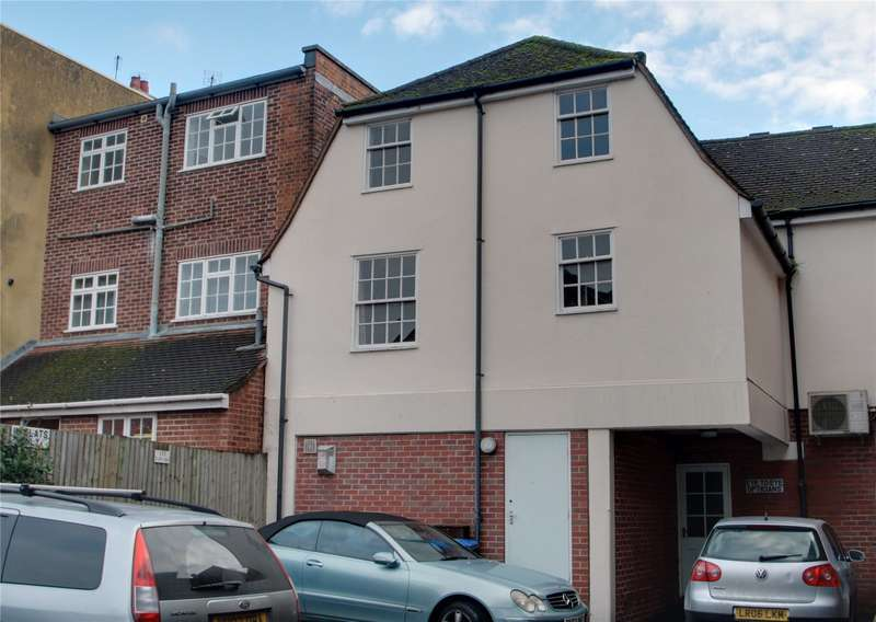 2 Bedrooms Apartment Flat for sale in Guildford Street, Chertsey, Surrey, KT16