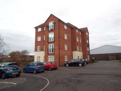2 Bedrooms Flat for sale in Water Reed Grove, Walsall, West Midlands