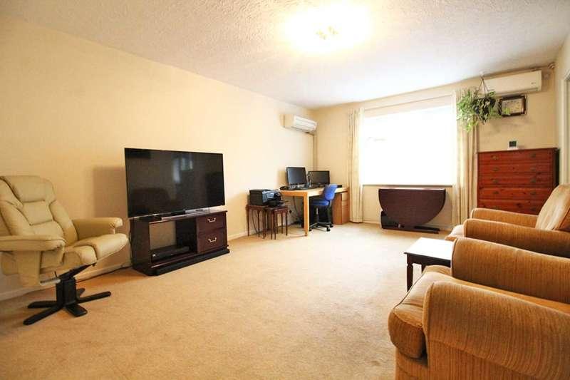 2 Bedrooms Flat for sale in Southbridge Road, Croydon