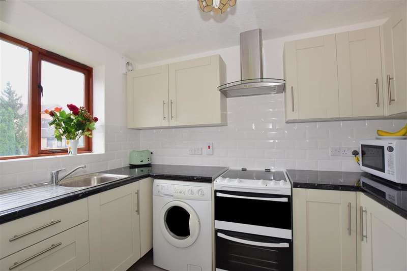 2 Bedrooms Terraced House for sale in Copse Lane, Horley, Surrey