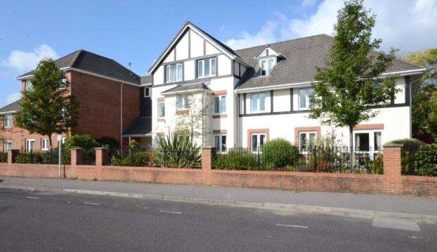1 Bedroom Retirement Property for sale in Argyll Court, Clarence Road, Fleet