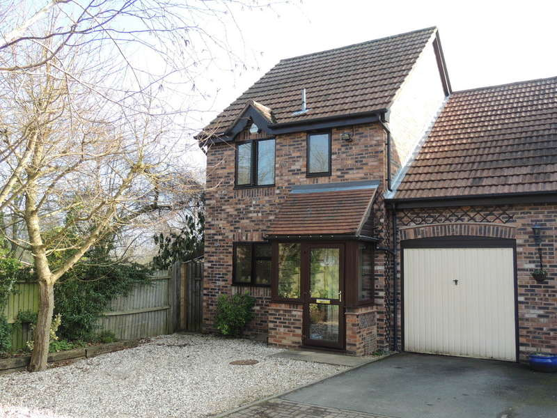 3 Bedrooms Semi Detached House for sale in Fletcher Grove, Knowle, Solihull