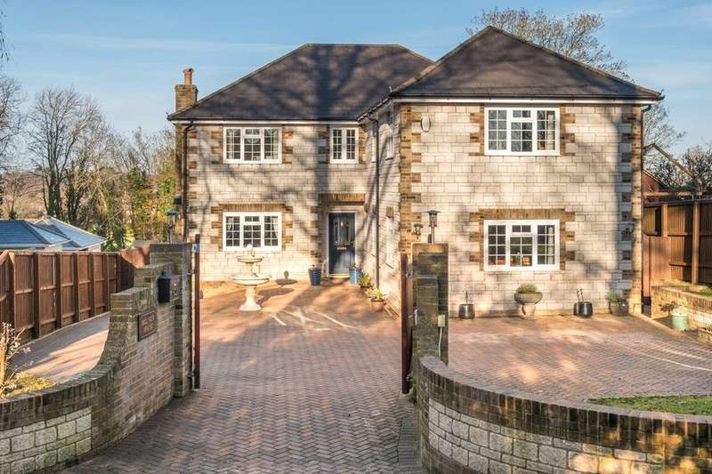 5 Bedrooms Detached House for sale in Freshwater Bay, Isle of Wight