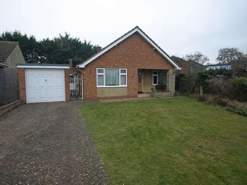 5 Bedrooms Detached House for sale in St Peters Crescent, Bicester