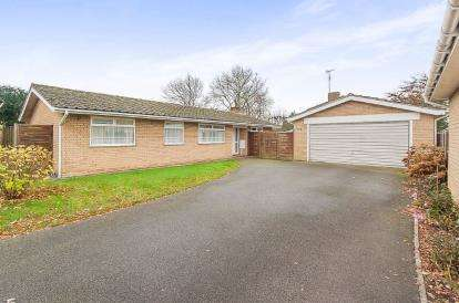 3 Bedrooms Bungalow for sale in Mickle Gate, Peterborough, Cambridgeshire