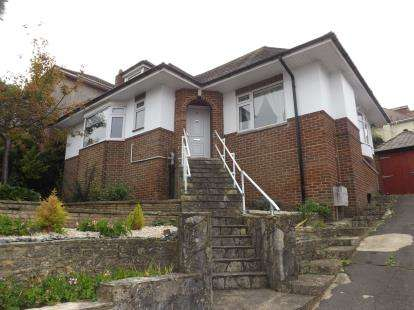 4 Bedrooms Bungalow for sale in Charminster, Bournemouth, Dorset