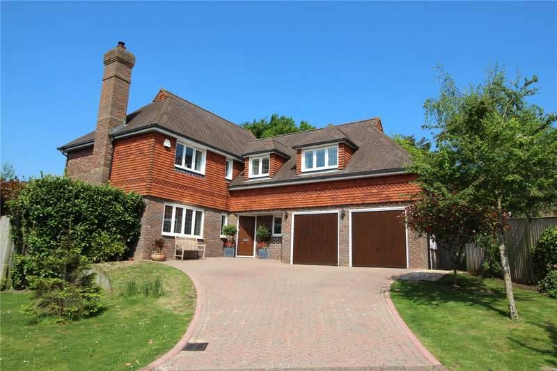 5 Bedrooms Detached House for sale in Warren Farm Place, Offington, Worthing, BN14