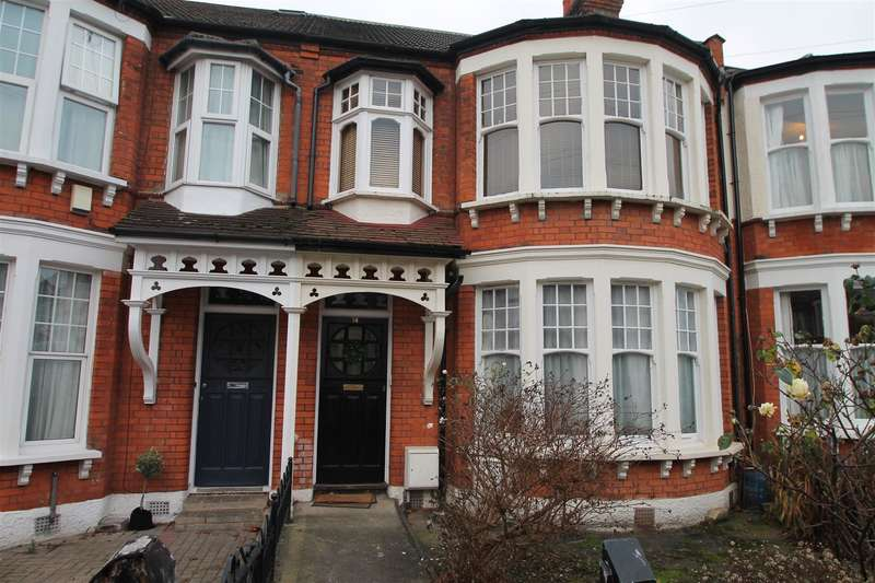 1 Bedroom Property for sale in The Crest, Palmers Green, London N13