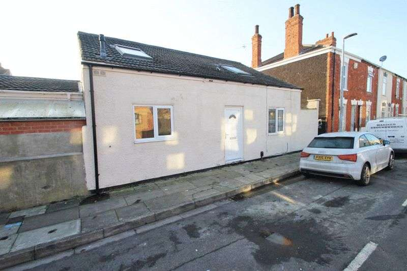 2 Bedrooms Detached House for sale in GRAFTON STREET, GRIMSBY