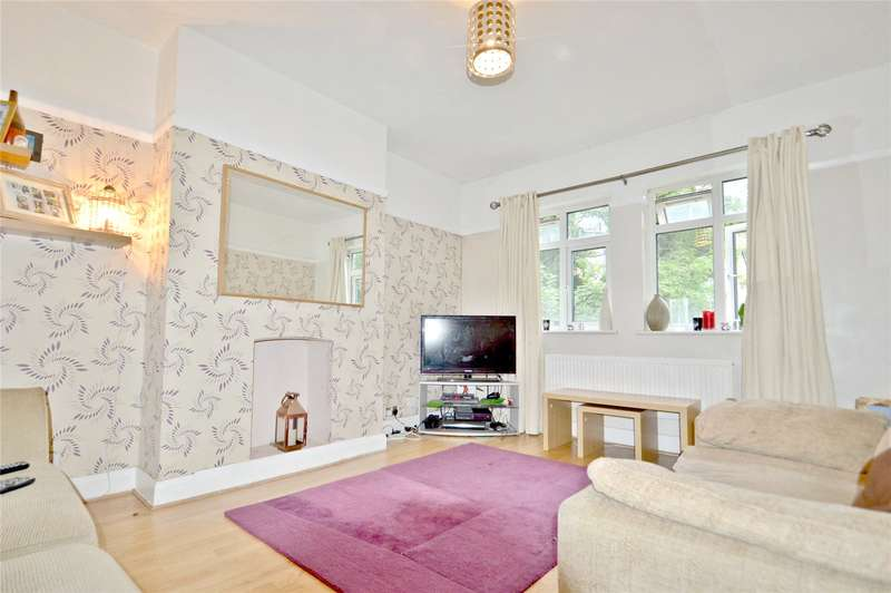 2 Bedrooms Apartment Flat for sale in Lower Addiscombe Road, Addiscombe