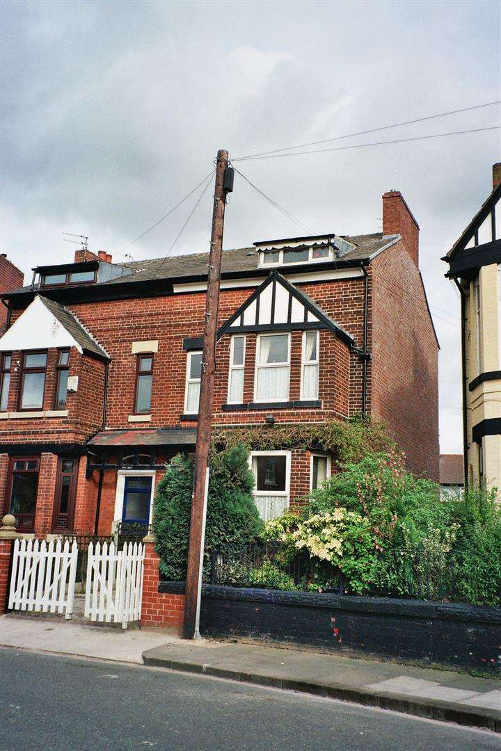 5 Bedrooms Property for sale in Gilda Crescent Road, Eccles, Manchester
