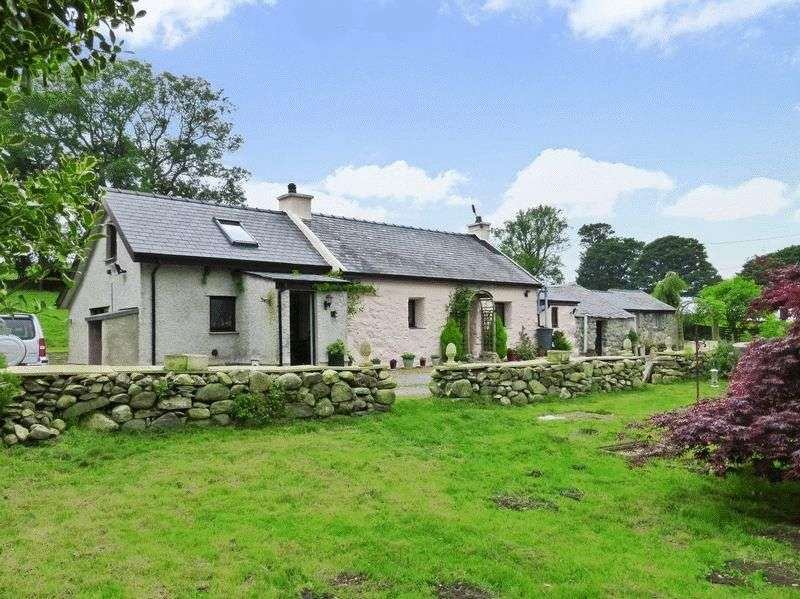 3 Bedrooms Detached House for sale in Clynnogfawr, Caernarfon