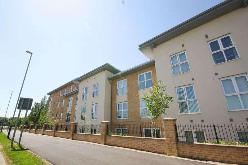 2 Bedrooms Flat for sale in Gemini Close, Golden Vally, Cheltenham