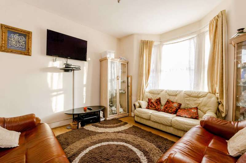 3 Bedrooms Terraced House for sale in Tennyson Avenue, East Ham, E12