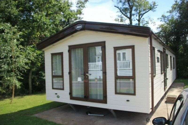 2 Bedrooms Bungalow for sale in Charnwood Acres Park, Ratby Lane, Markfield, Leicester, Leicestershire, LE6 0LU
