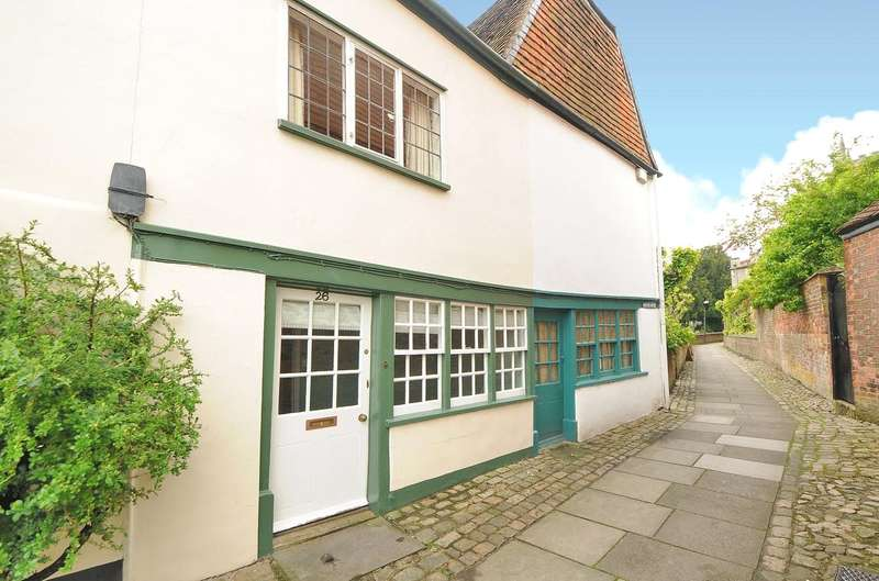 3 Bedrooms Terraced House for sale in The Green, Marlborough, Wiltshire, SN8