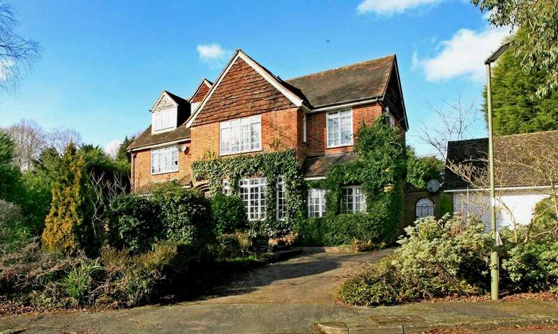 5 Bedrooms Detached House for sale in Colley Manor Drive, Reigate, Surrey, RH2