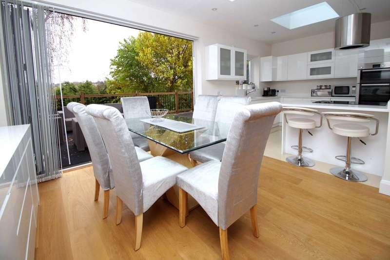 4 Bedrooms Detached House for sale in Cemmaes Court Road, Boxmoor, Hemel Hempstead