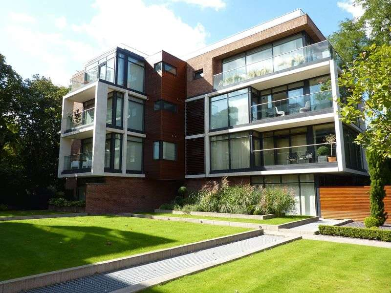 2 Bedrooms Flat for rent in 135a Barlow Moor Road, Didsbury