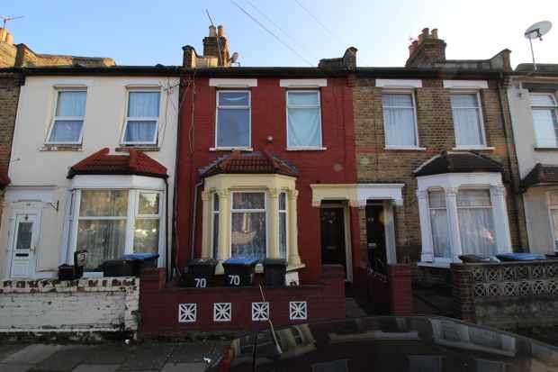 3 Bedrooms Terraced House for sale in Wakefield Street, Upper Edmonton, Greater London, N18 2AQ
