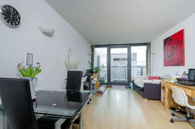 1 Bedroom Flat for sale in Elektron Tower, E14