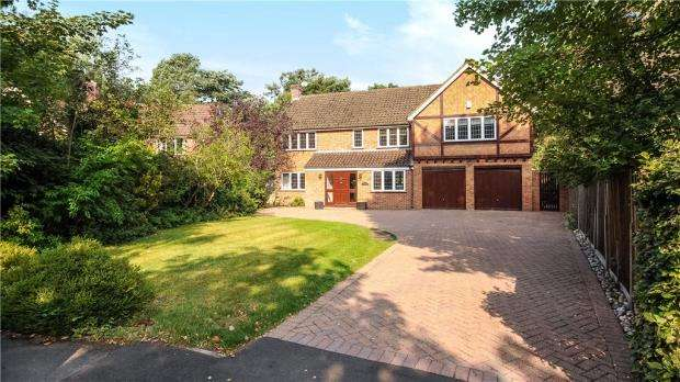 5 Bedrooms Detached House for sale in Onslow Road, Sunningdale, Berkshire