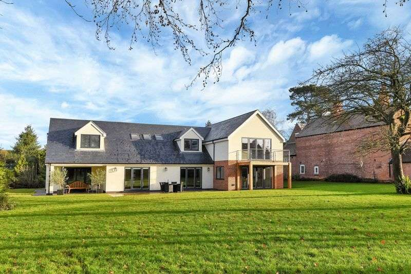 5 Bedrooms Detached House for sale in Old Melton Road, Normanton on the Wolds