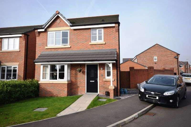 3 Bedrooms Detached House for sale in Wallis Drive, Widnes