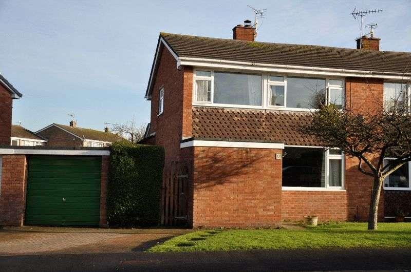 3 Bedrooms Semi Detached House for sale in Fernside, Bristol