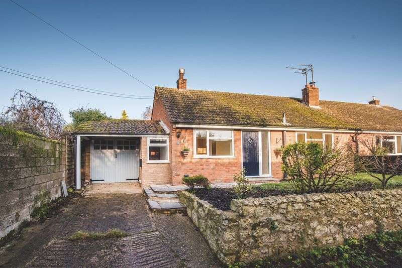 3 Bedrooms Semi Detached Bungalow for sale in Whitchurch, Aylesbury