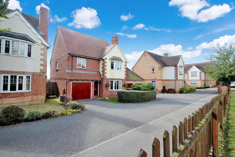 4 Bedrooms Detached House for sale in Worsdell Way, Turner Rise, Colchester