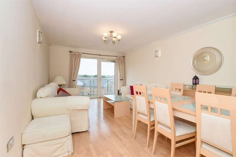 2 Bedrooms Flat for sale in Chandlery Way, Cardiff