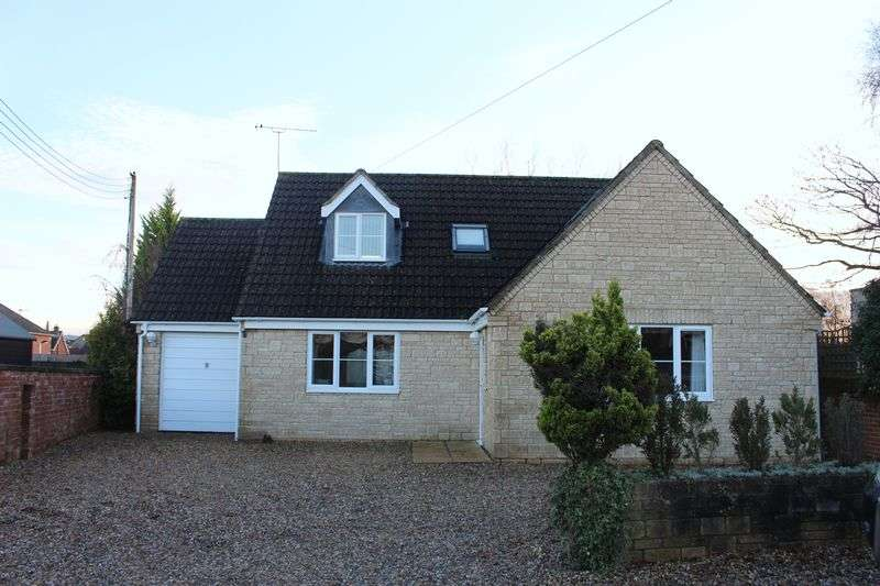 3 Bedrooms Detached Bungalow for sale in Bryans Close Road, Calne