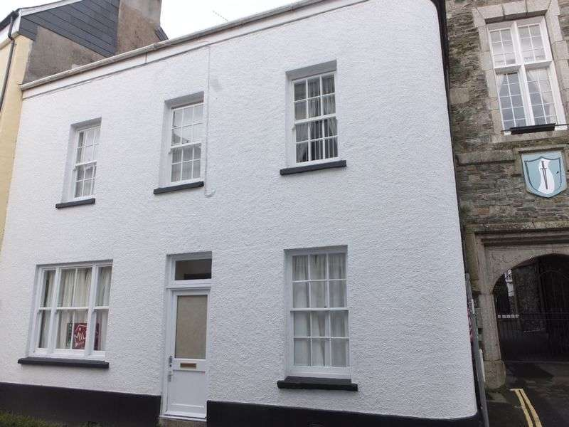 3 Bedrooms Flat for sale in Tavistock
