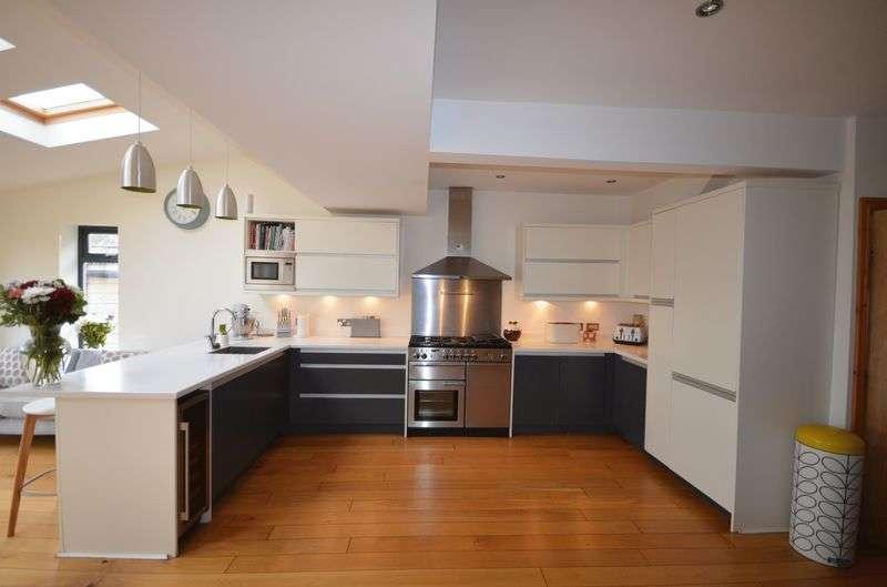 3 Bedrooms Semi Detached House for sale in 22 Furlong Crescent, Blackpool, Lancs FY3 7LP