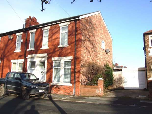 3 Bedrooms Terraced House for sale in Talbot Road, Penwortham, Preston, PR1