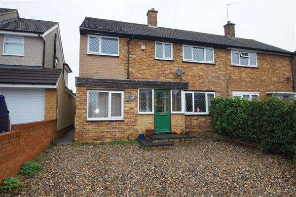 3 Bedrooms Semi Detached House for sale in Washington Drive, Cippenham, Slough