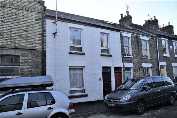 2 Bedrooms Terraced House for sale in Edward Street, Cambridge