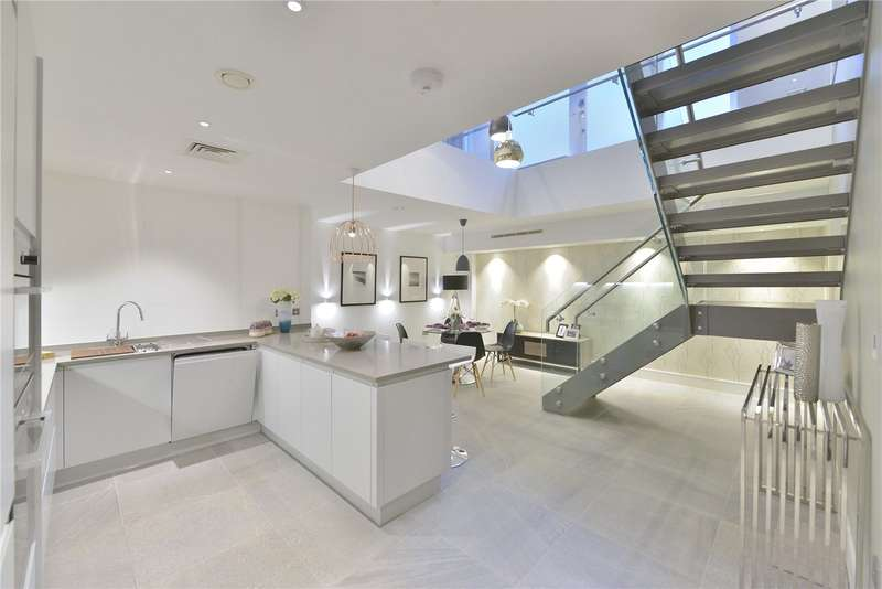 3 Bedrooms Flat for sale in Lovat Lane, City Of London, EC3R