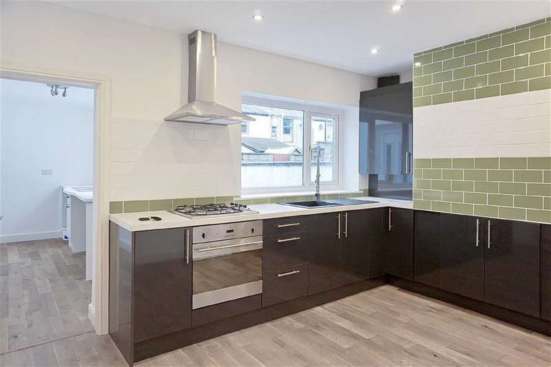2 Bedrooms Property for sale in Edmund Street, Darwen, Lancashire