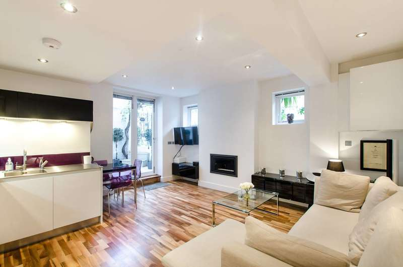 2 Bedrooms Mews House for sale in Warwick Square Mews, Pimlico, SW1V