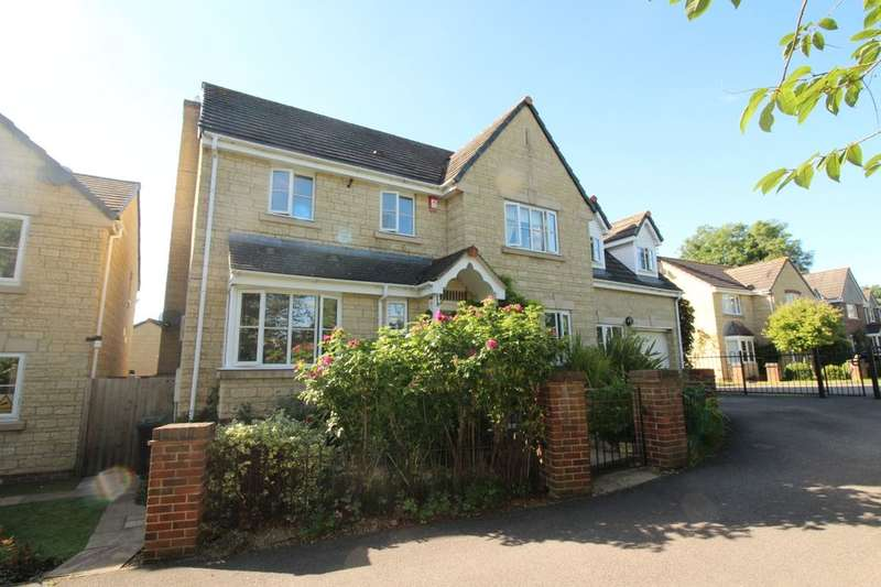 5 Bedrooms Detached House for sale in Rosemary Close, Calne, SN11
