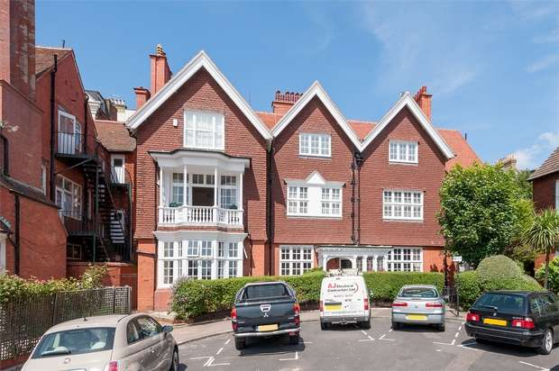 4 Bedrooms Flat for sale in Grand Avenue, HOVE, East Sussex