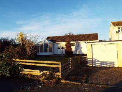 3 Bedrooms Bungalow for sale in Killigarth, Looe, Cornwall