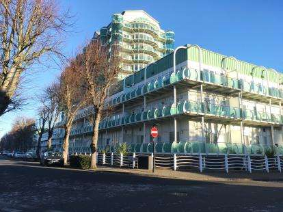 2 Bedrooms Flat for sale in Tower Point, 52 Sydney Road, Enfield
