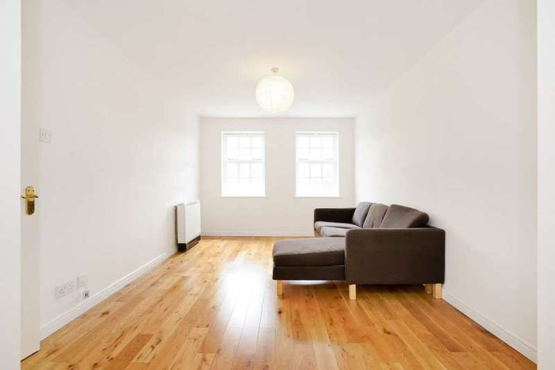 1 Bedroom Apartment Flat for sale in The Croft, North Chingford, E4