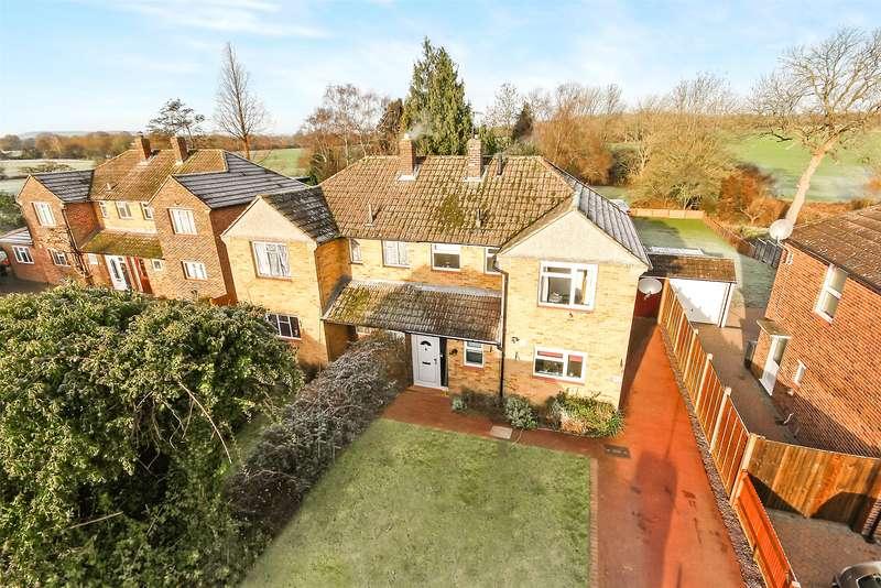 4 Bedrooms Semi Detached House for sale in Park Avenue, Salfords, Surrey, RH1