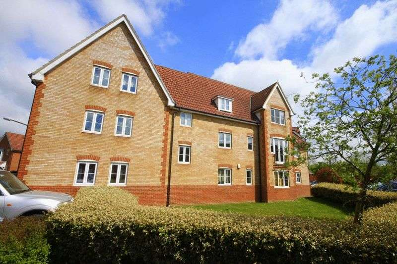 2 Bedrooms Flat for sale in Stoney Bridge Drive, Waltham Abbey, EN9